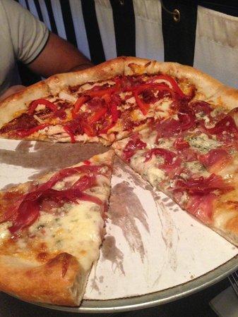 Dewey's Pizza: Pizza!