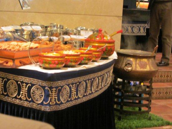 Inner Mongolia Grand Hotel: Ganz viele Behälter
