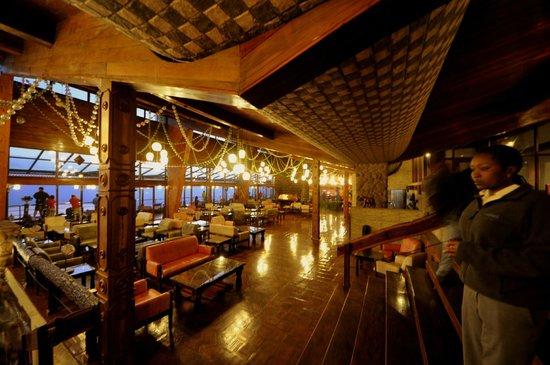 Ngorongoro Wildlife Lodge: Lounge