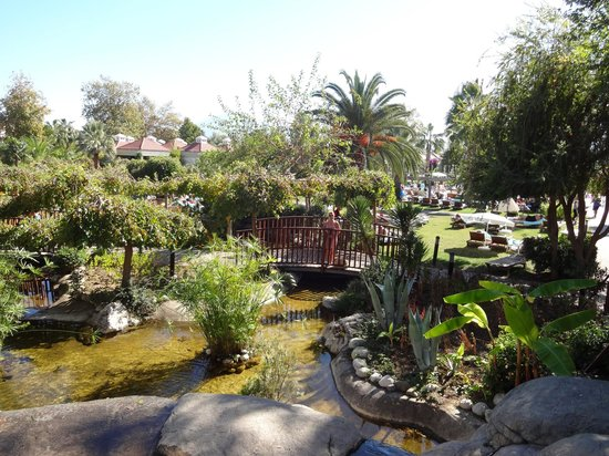 Club Tuana Fethiye : Gardens from the buffet restaurant