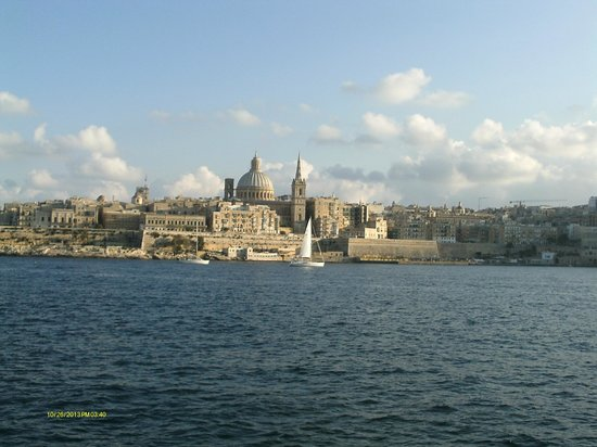Hotel Fortina: Fab view from room 411 of Valletta across the harbour