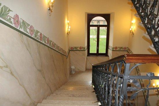 Hotel Villa Borghesi: escalier