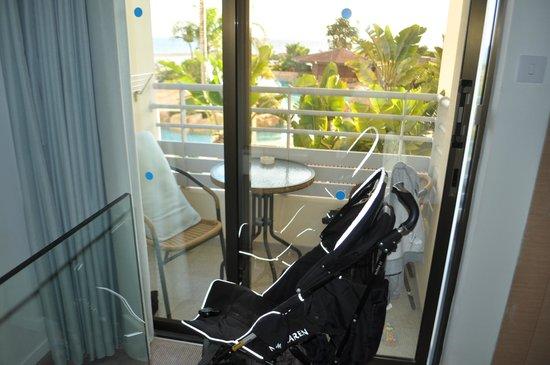 Capo Bay Hotel: Der winzige Balkon der völlig überteuerten Duplex-Suite
