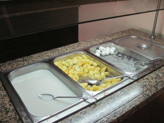 Himeros Club Hotel : breakfast,hot staff