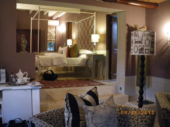 Augusta de Mist Country House: Open plan lounge bedroom 1 (another private one as well)