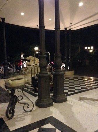 Grand Hotel Vanvitelli: esterno