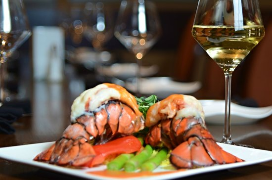 Crave Restaurant : Lobster Tails