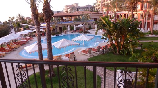IBEROSTAR Grand Hotel Salome : Adults only pool, guess they are all in the bar