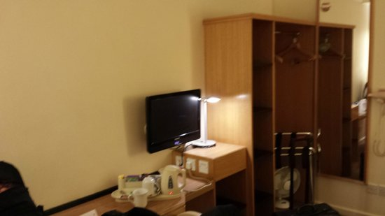 Holiday Inn Express London - Victoria: Room