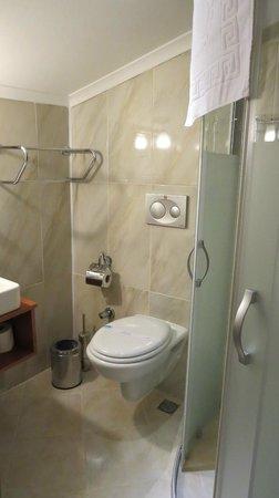 Oba Hotel: bagno
