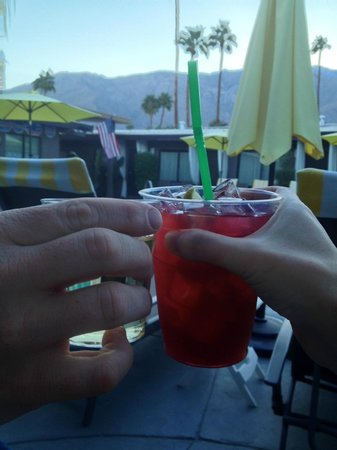 Avanti Hotel: Happy hour - wine, beer, pomegranate or reg. margaritas!