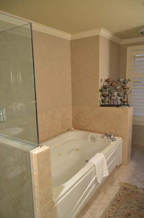Harbour House Hotel : Jacuzzi Style Tub