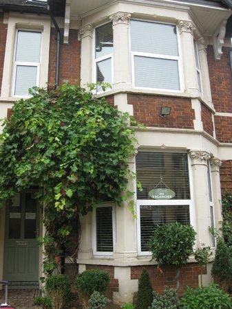 Lina Guest House: outside