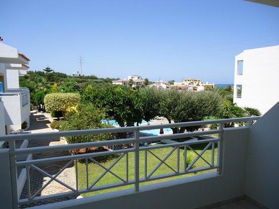 Nikolas Villas Appartments: Uitzicht vanaf balkon van een appartement