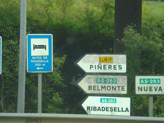 Hotel Rural Alfoz de Rondiella: Acceso y señalización
