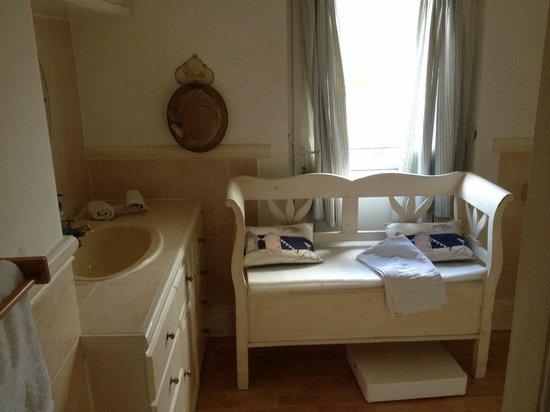 Brookdales : Bathroom for room 1