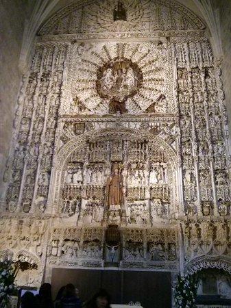Iglesia de San Nicolas de Bari: Retablo plateresco