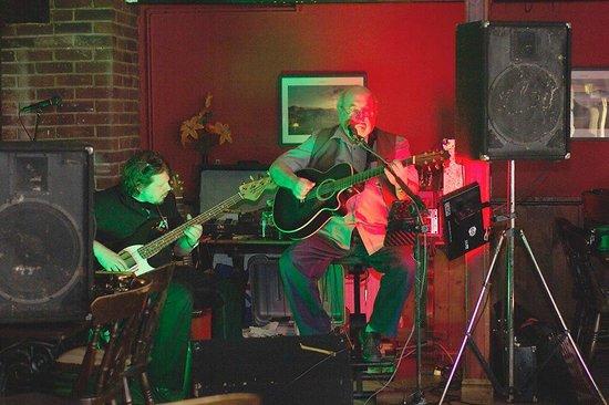 The Bell Inn: Live Music