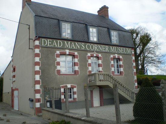 D-Day Experience (Dead Man's Corner museum): Outside Museum
