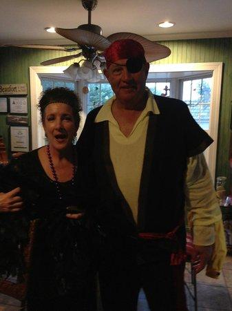 Ann Street Inn : Flapper and ugly pirate