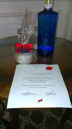 Gran Melia Fenix: Welcome letter with wax seal