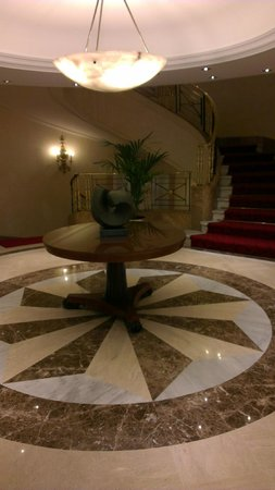 Gran Melia Fenix: 4th floor landing2