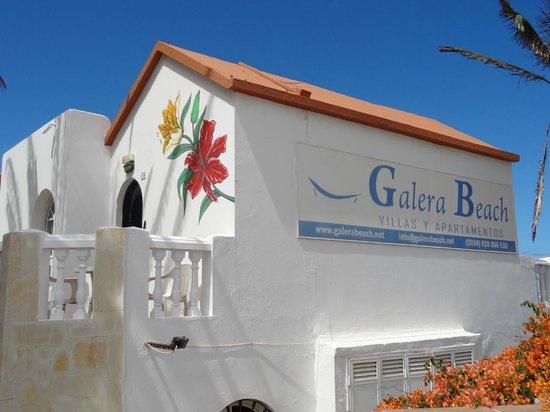 Galera Beach Resort: View from the road