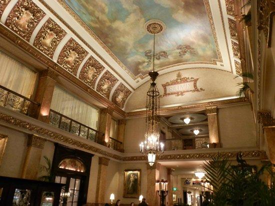 The Pfister Hotel : Lobby del hotel