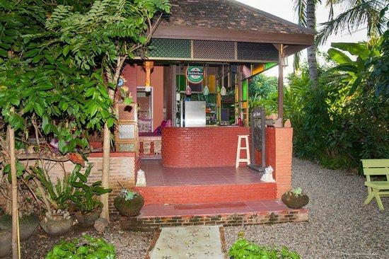 Joy's House : The Bar