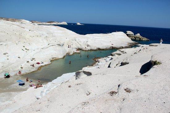 Sarakiniko Beach : Spiaggetta