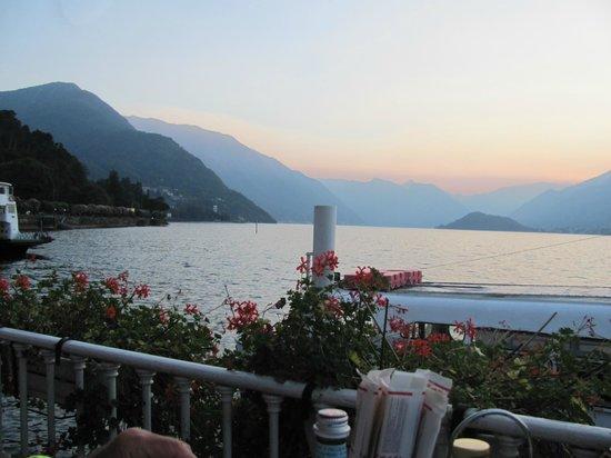 Terrazza Metropole : Lake Como at 7pm in september