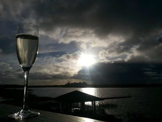 Wineport Lodge: Sundown on our balcony