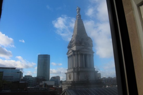 Thistle Holborn, The Kingsley: View of Church through window