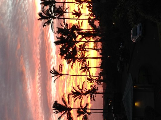 The Kapalua Villas, Maui: Sunrise outside of the villa