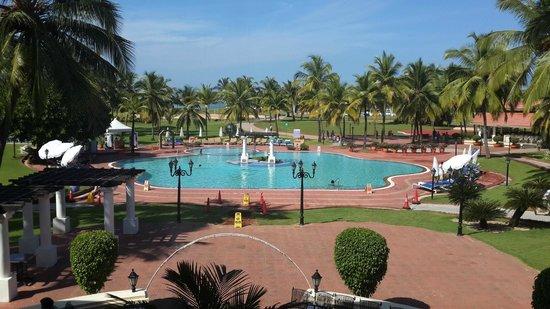 Holiday Inn Resort Goa : Swimming Pool