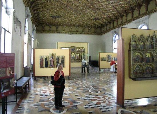 Gallerie dell'Accademia : Vista general de una Sala
