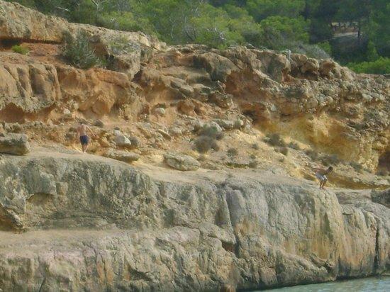 Playa Cala Salada: scogliera