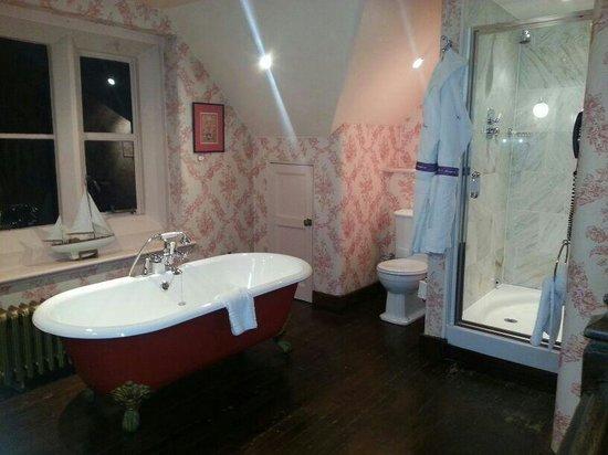 Crewe Hall: Amazing Bathroom