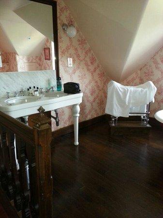 Crewe Hall: Double Sink