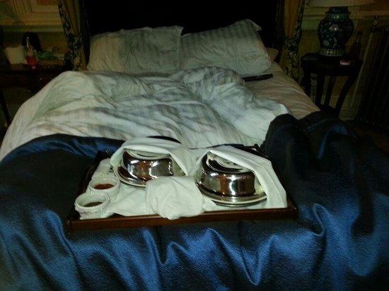 Crewe Hall: Breakfast in Bed!!!!