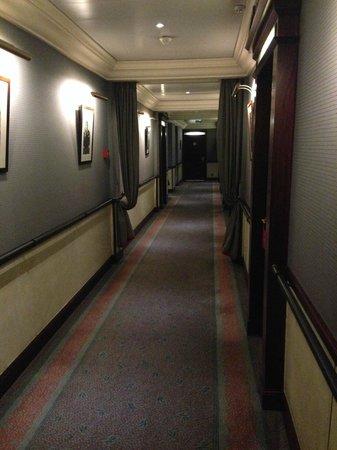 Hotel Pont Royal: Corridor