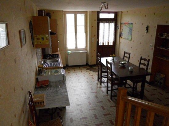 Armalou : visitor use kitchen