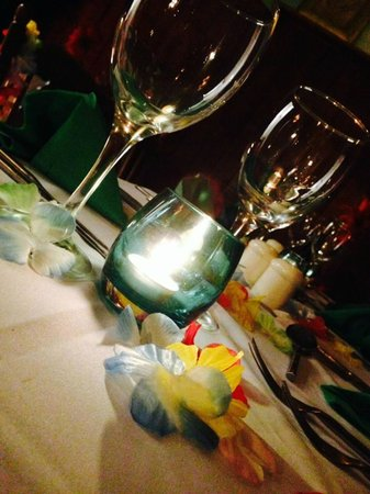 24 Carat Bistro : special Caribbean by Candlelight Nights, on the first and second saturdays in the month.