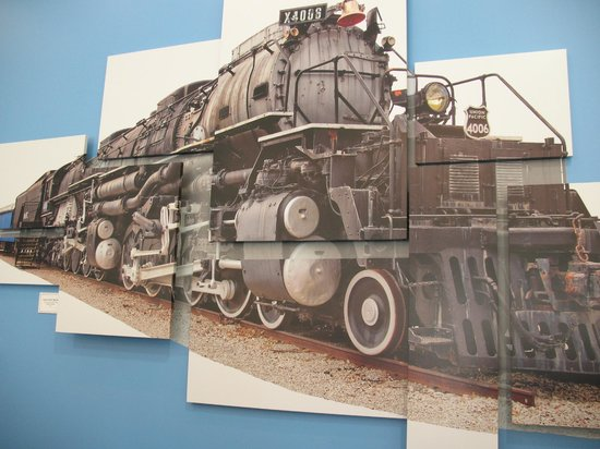 Museum of Transportation: Big Boy artwork in lobby