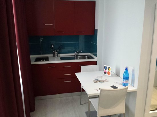 Hotel Agrigento Home: Il cucinino a disposizione