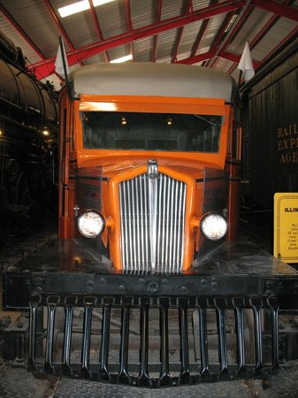 Museum of Transportation: Railroad Bus