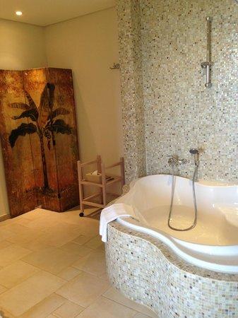 Grecotel Eva Palace: Ванна прямо в номере!!!