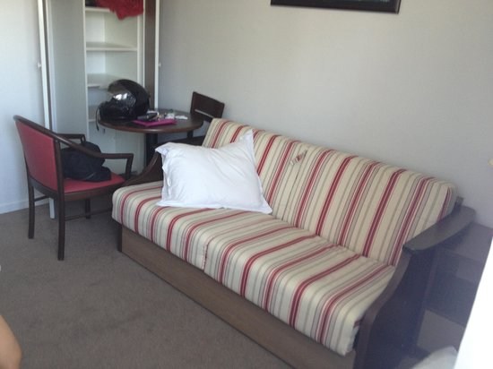 Comfort Suites Annecy Seynod: Double sofa bed