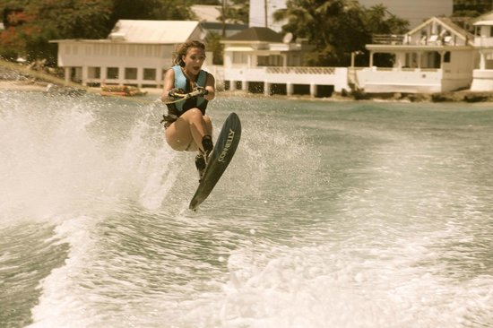 Mullins, Barbados: Waterskiing