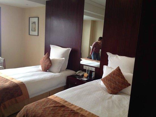 Huachen International Hotel: Room
